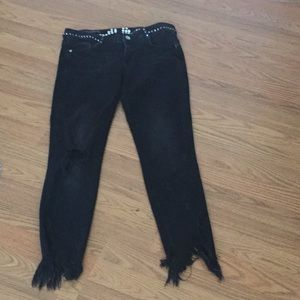 Zara 6 spikes distressed rawhem black jeans spikes